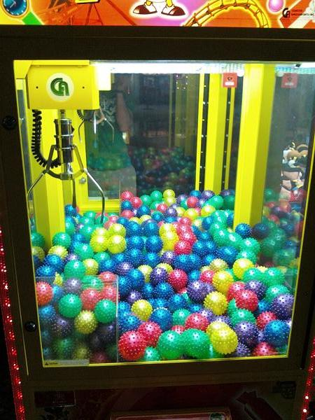 claw-machine-balls